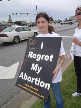 Beatrice Fedor, Française, coordinatrice de la campagne en Caroline du sud (Etats-Unis) lors d'une chaine pour la vie organisée en 2009. Photo prise sur son profil.